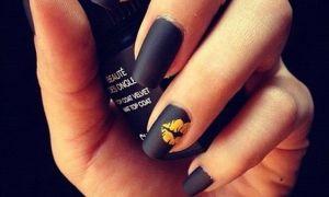 Дизайн ногтей черным гель-лаком